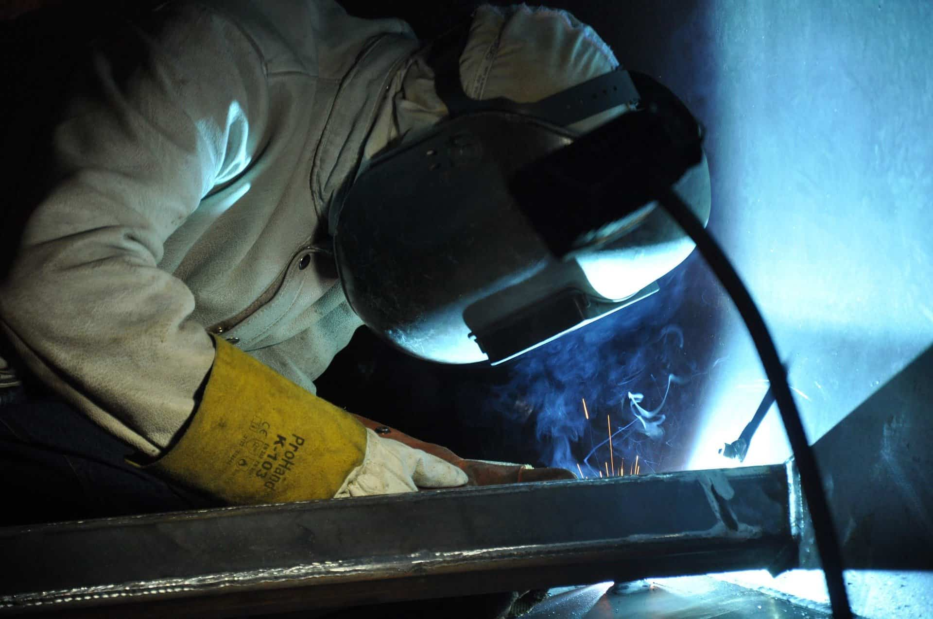welding fume extraction arms